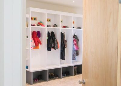bare-point-custom-home-cubby-storage
