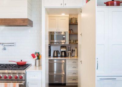 butler's-pantry-custom-kitchen-genoa-bay-home