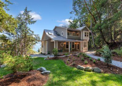 front-exterior-genoa-bay-custom-home
