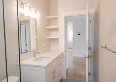 driftwood-custom-home-bathroom